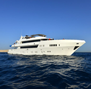 M/Y BLUE in the Red Sea with ENOS onboard