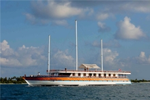 Renowned liveaboard Nautlus Two with ENOS